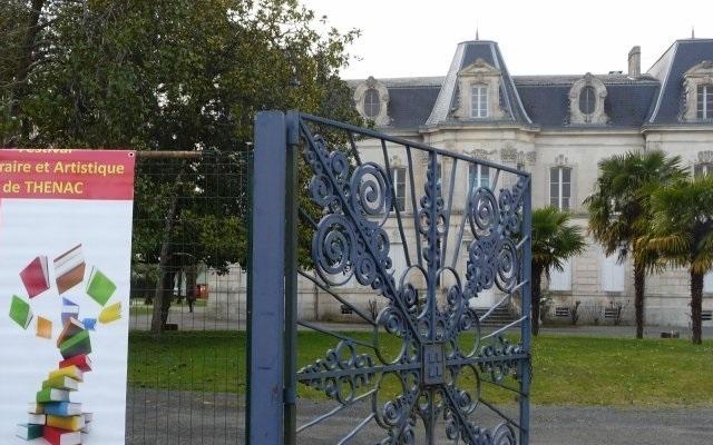 Entrée du parc du château Maguier où se déroule le festival